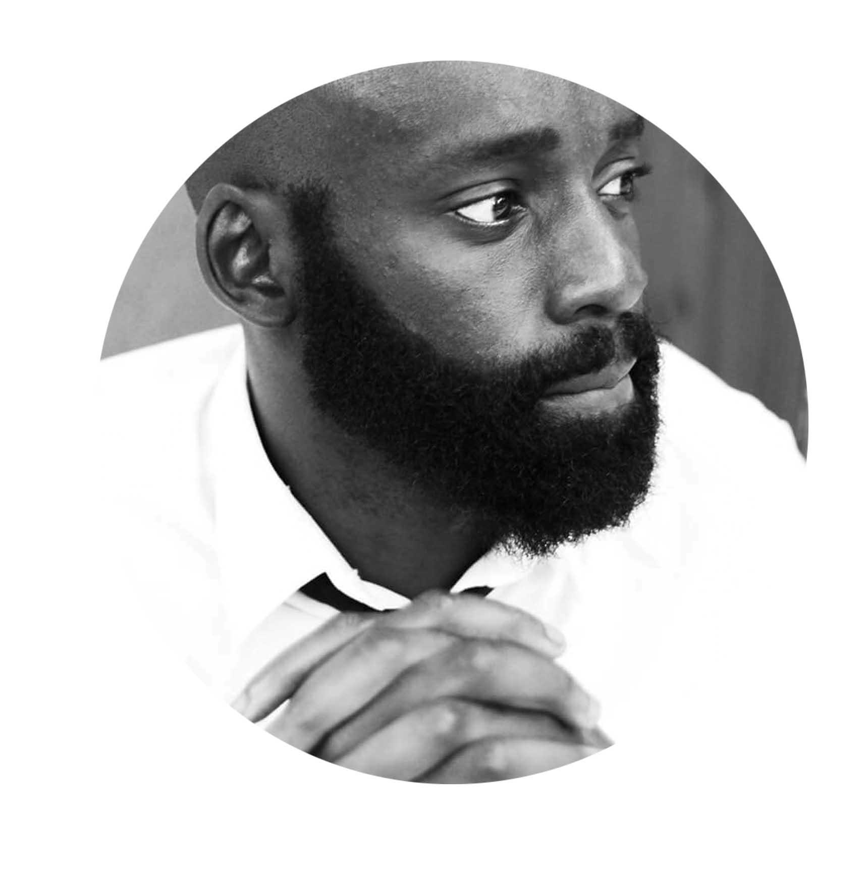 portrait Bob Ndongala - Consultant marketing digital et photographe